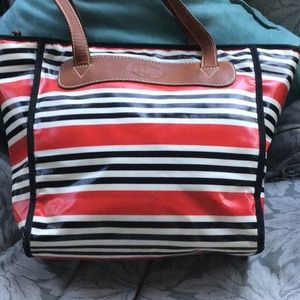 Awesome Fossil zippered tote style bag
